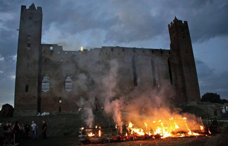 Ruszył sezon turystyczny na zamku w Radzyniu Chełmińskim. Na najbliższe tygodnie gospodarze zapowiadają sporo ciekawych imprez. Bez zmian pozostają natomiast