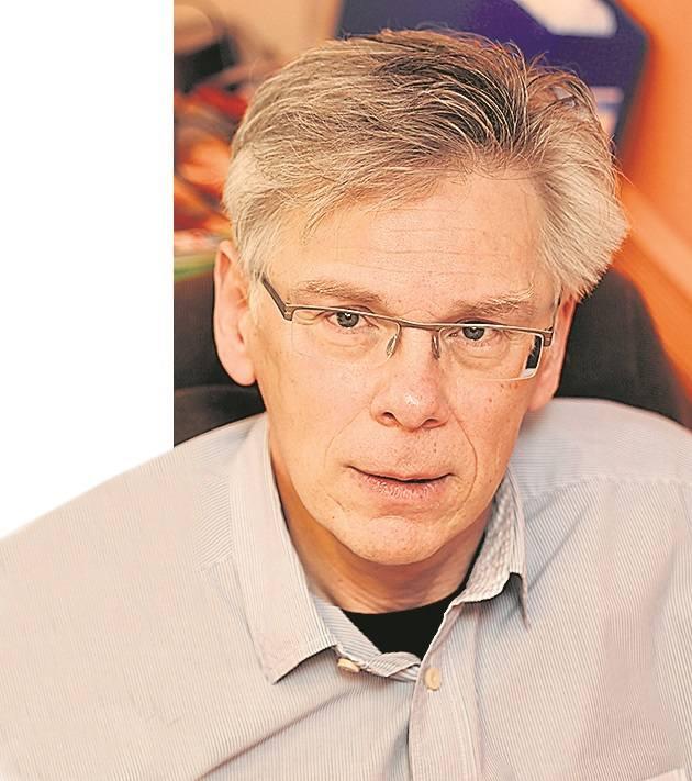 Poseł Stanisław Piotrowicz (dawny PRL-owski prokurator), nie waha się sięgać po - delikatnie mówiąc - przekłamania. Aby zdyskredytować sędziów TK, [b]zarzucił