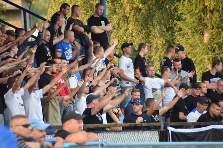 Pierwsze od kilku lat ligowe spotkanie krośnieńsko-sanockie wygrali goście. Karpaty Krosno przegrały z Geo-Eko Wiki Ekoball Stalą Sanok 0:1. Czytaj więcej: