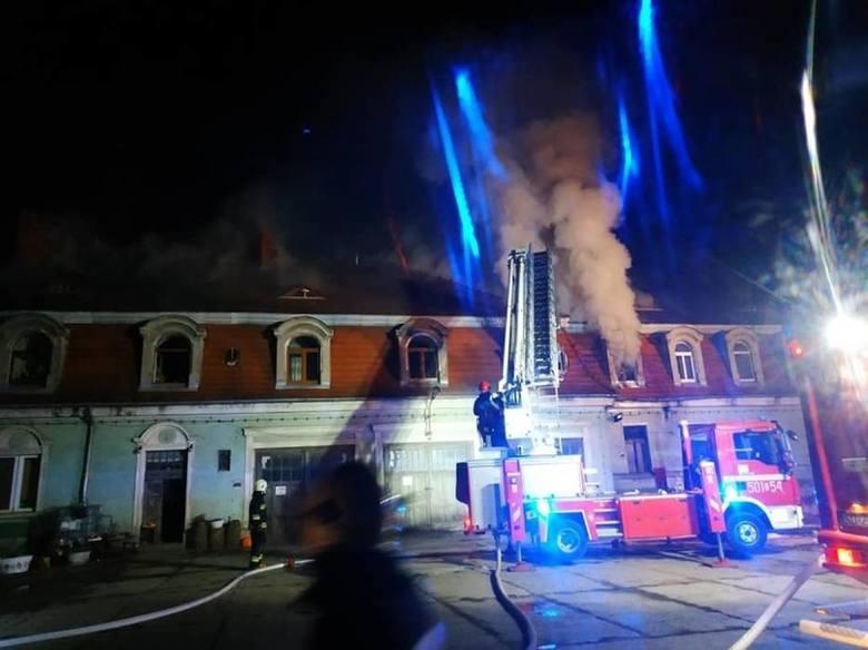 Do pożaru w Kochcicach doszło 14 marca 2020 roku.Zobacz kolejne zdjęcia. Przesuwaj zdjęcia w prawo - naciśnij strzałkę lub przycisk NASTĘPNE
