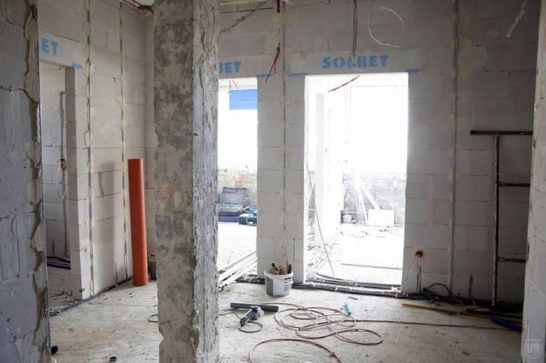 Modernizacja siemiatyckiego szpitala polega na dobudowaniu nowego, liczącego pięć kondygnacji, skrzydła szpitala.