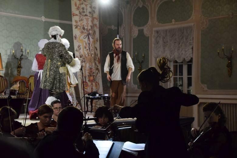 Anna Moniuszko i zespół Diletto podczas koncertu w Auli Magna