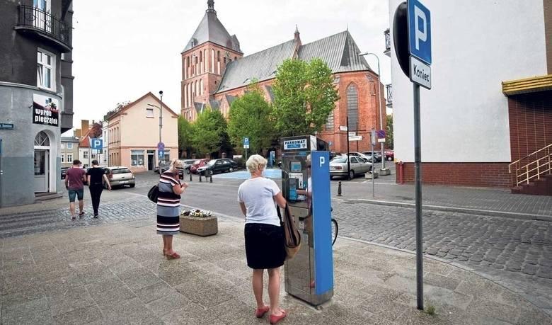 Parkingi miejskie w Koszalinie będą dłużej za darmo. Sprawdź, ile trzeba będzie zapłacić
