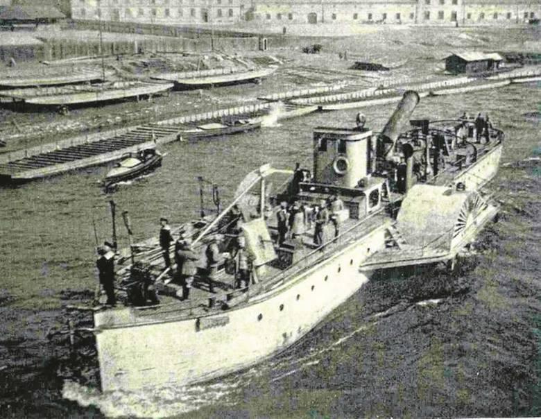 """""""Krystyna"""" podczas I wojny światowej na Wiśle pod Wawelem"""