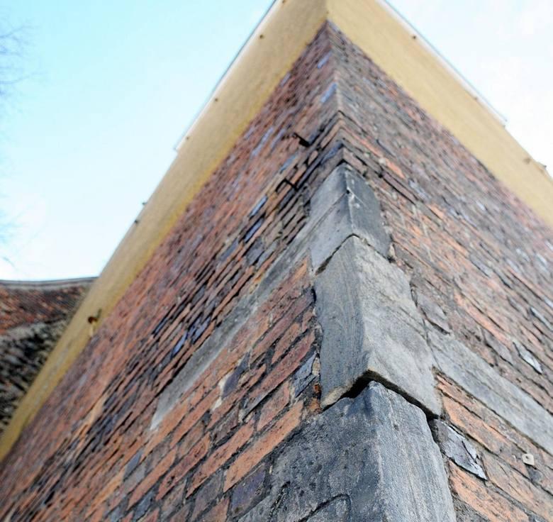 Zły stan techniczny kościoła parafialnego p.w. św. Hieronima w Bytomiu Odrzańskim zauważono podczas prac remontowych, które prowadzono w ubiegłym ro