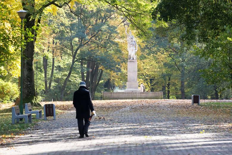 Tę aleję łączą dwa pomniki. Katyński i Żołnierzy 42. Pułku Piechoty. To tutaj grupa białostoczan chciałby utworzyć Aleję Niezłomnych i Niedocenionych.