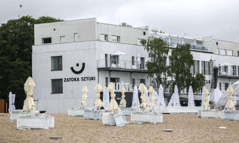 """Zatoka Sztuki w Sopocie: """"Uwaga!"""" TVN wyemitowała własny reportaż na temat wykorzystywania nieletnich w klubie"""