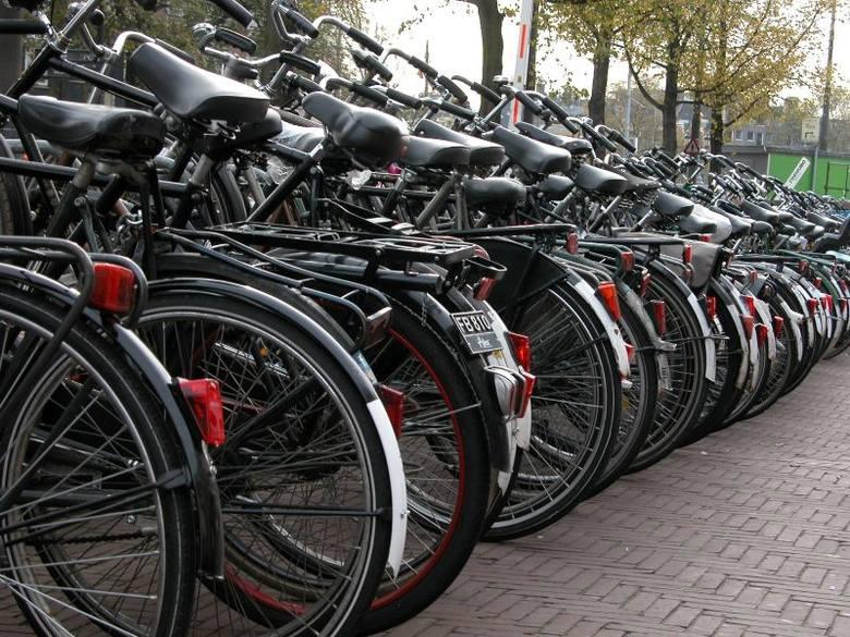 Toruń. Złodzieje rowerów ponownie atakują. Kradną w biały dzień