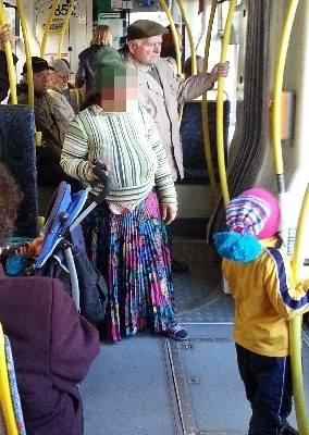 Zdarza się, że na jednej trasie do tego samego tramwaju wsiadają dwie lub grupy przybyszów z Rumunii.
