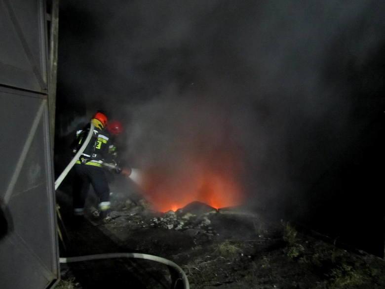Pożar garażu w miejscowości Nasutowo [zdjęcia]