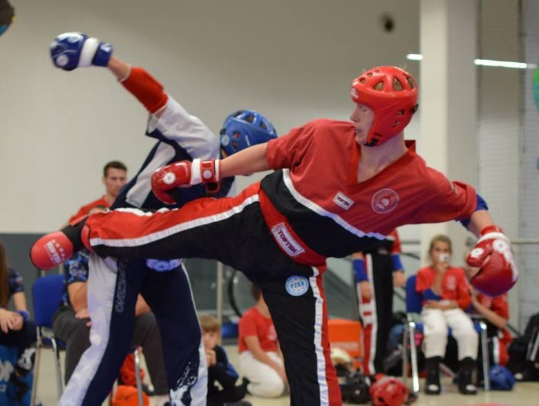 Jakub Płachta, zawodnik pionkowskiego klubu Centrum Tang Soo Doo został powołany do kadry narodowej kickboxingu light contact juniorów.Utalentowany zawodnik
