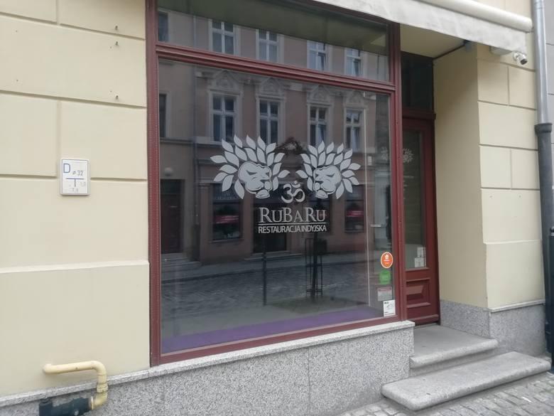 RuBaRuJedna z nielicznych indyjskich restauracji w Toruniu zamknęła się w połowie marca, gdy lokale mogły serwować jedzenie wyłącznie na wynos. 21 maja