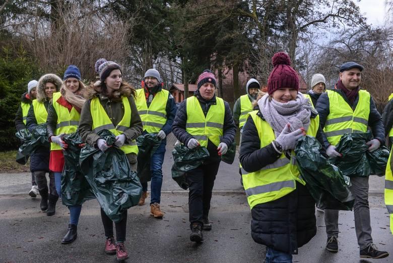 Podjęliśmy wyzwanie #trashchallenge! Sprzątaliśmy las w Otominie