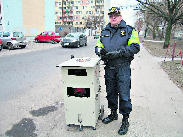 Mobilny fotoradar ma również straż miejska.