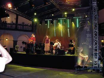 W angielskim wieczorze śpiewali (od lewej): Pet Morton, Natalia Orkisz i Paweł Orkisz Fot. Barbara Rotter-Stankiewicz