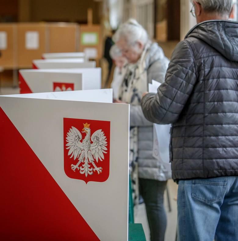 26.05.2019 sopot. komisja obwodowa nr 8. wybory do europarlamentu. glosowanie.    fot. karolina misztal / polska press/dziennik baltycki