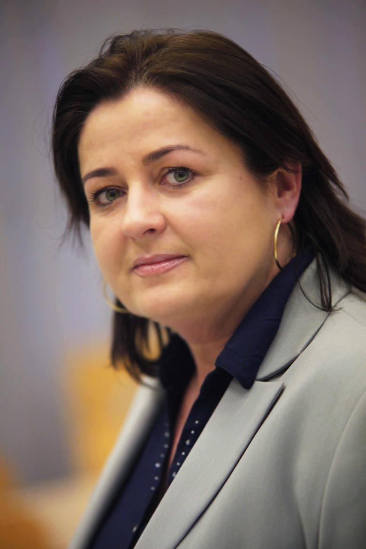 Prof. Dorota Piontek komentuje, że w tym momencie prawdopodobnie nikt z rządzących nie ma pomysłu, jak rozwiązać kryzys spowodowany zaostrzeniem prawa