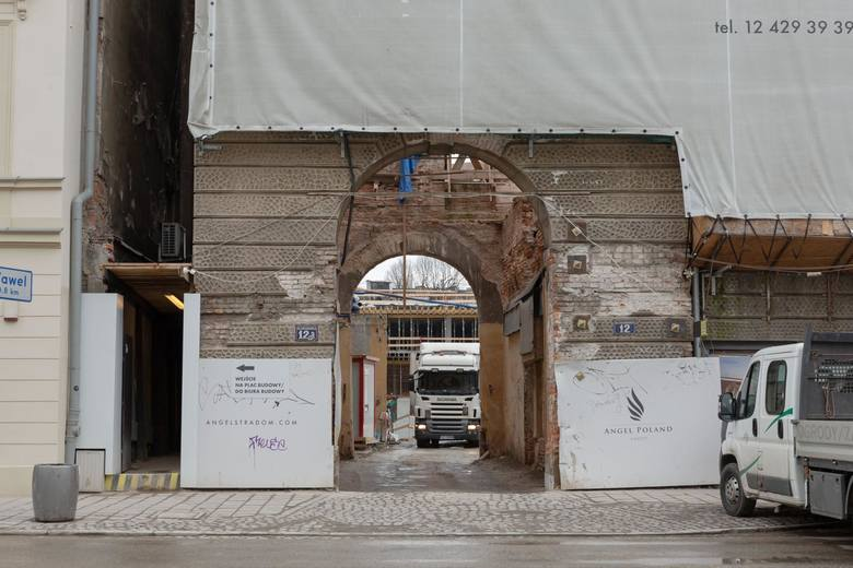 06.03..2020 krakow ul stradomska budowa angel stradomfot. sylwia penc / polskapressegazeta krakowska