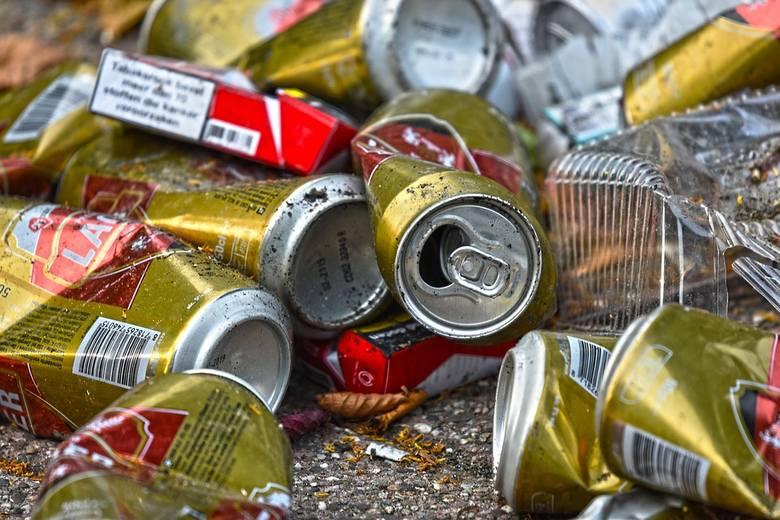 Rocznie produkujemy kilka milionów ton plastiku. Unia Europejska stara się walczyć z produkcją plastiku m.in. przez wycofanie produktów jednorazowych