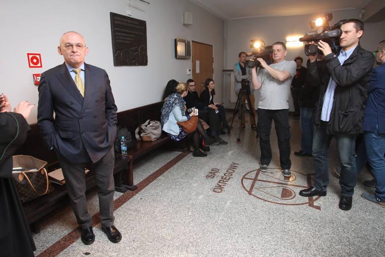 W poznańskim sądzie trwa proces Aleksandra Gawronika. Niegdyś bogaty biznesmen, zdaniem prokuratury w 1992 roku podżegał do zabicia Ziętary podczas narady na terenie Elektromisu. Gawronik nie przyznaje się do winy.