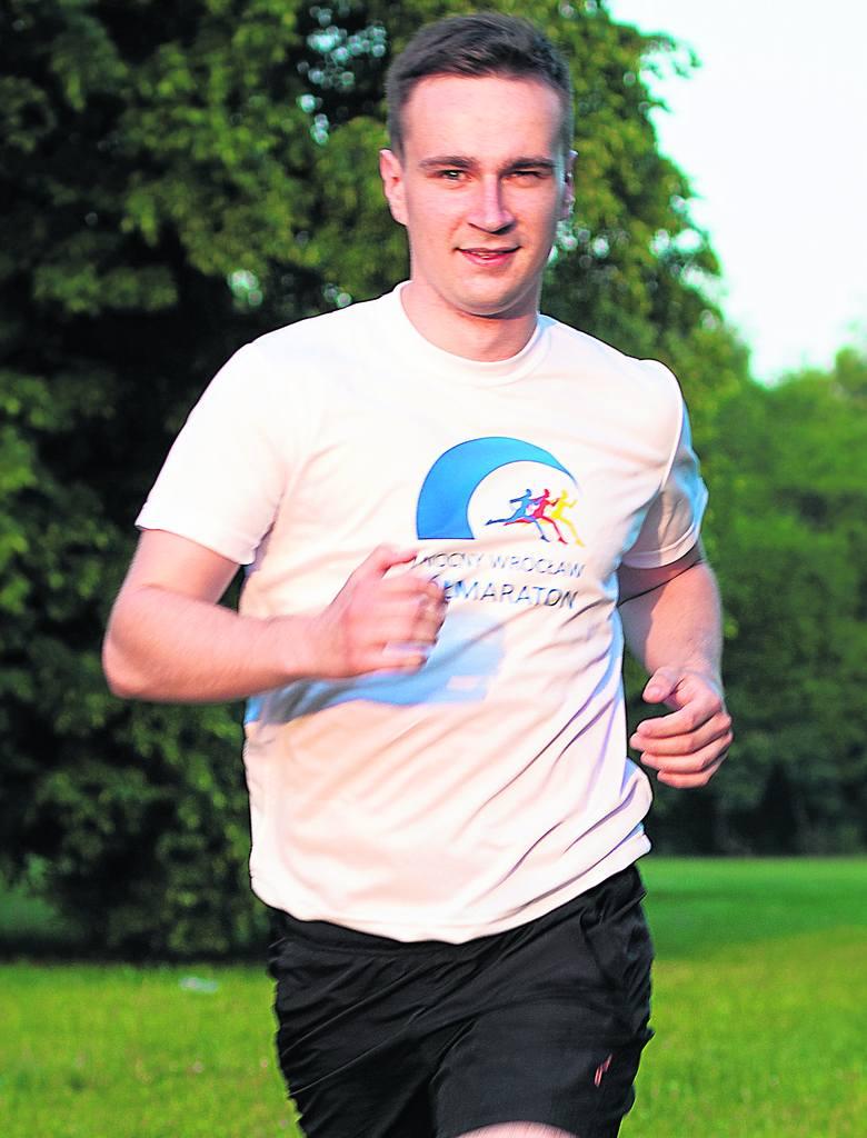 """I Nocny Wrocław Półmaraton to 4000 biegaczy, wśród nich i Daniel Woch z programu """"I Ty możesz zostać maratończykiem"""""""