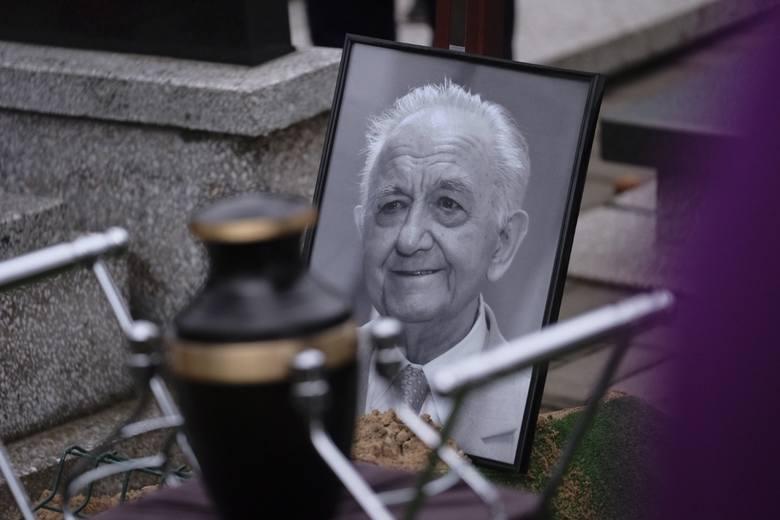 W poniedziałek (10 lutego) pożegnaliśmy Ryszarda Olszewskiego. Był jednym z najwybitniejszych wychowanków AZS Toruń i symbolem Twardych Pierników. W