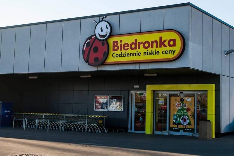 Sieć sklepów Biedronka wprowadza zmiany. To najprawdopodobniej reakcja na zagrożenia epidemią koronawirusa w Polsce. O co chodzi? Kliknij tutaj, przejdź