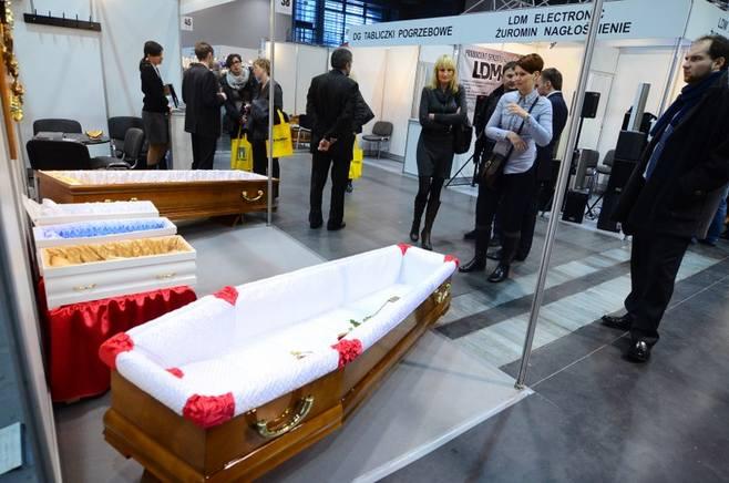 Targi funeralne w Poznaniu.