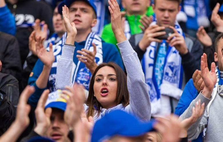 Podczas meczów Lecha Poznań na trybunach można spotkać piękne fanki. Zobaczcie zdjęcia i przekonajcie się, że dla nich także warto przychodzić na Bułgarską!Przejdź