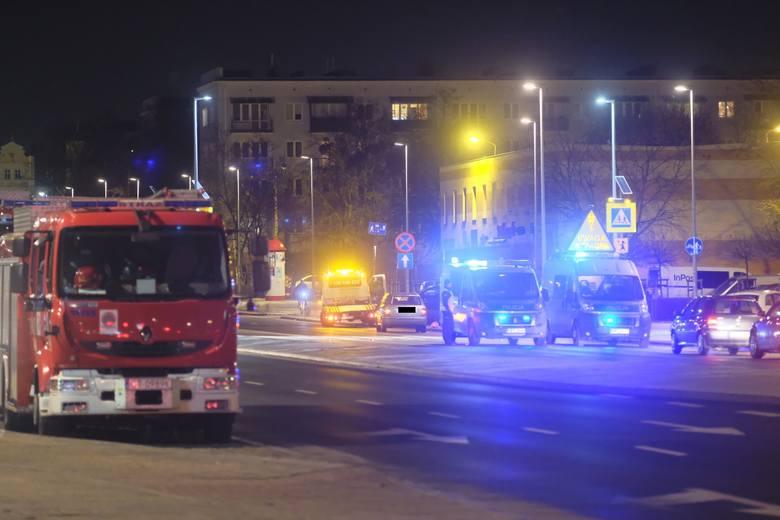 W piątek (18.01) około 18:00 ul. Bema w Toruniu doszło do tragicznego w skutkach wypadku drogowego. Ze wstępnych ustaleń policjantów toruńskiej drogówki