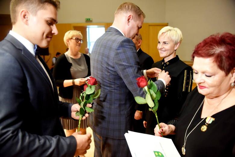 Uroczystości jubileuszu 100-lecia PCK w Filharmonii Zielonogórskiej.