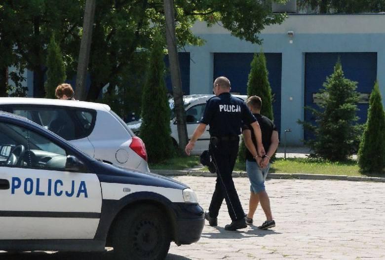 Bełchatów: Śmiertelne pobicie 25-latka. Skatowali go za spowodowanie kolizji drogowej [ZDJĘCIA+FILM]