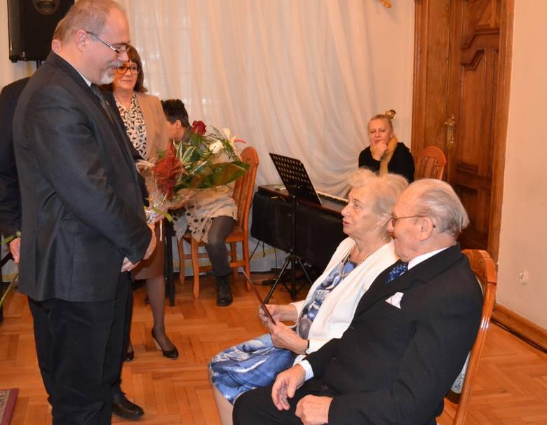 Sosnowiec: jubileusz 70. rocznicy małżeństwa w Pałacu Schoena [ZDJĘCIA]