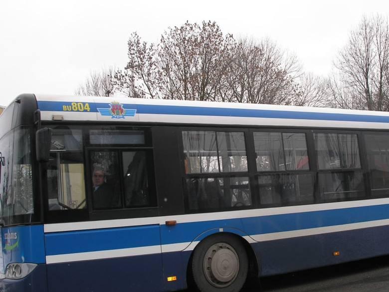 Powiat krakowski. Od poniedziałku linie aglomeracyjne jak w soboty. Niektóre autobusy wycofano z rozkładu jazdy