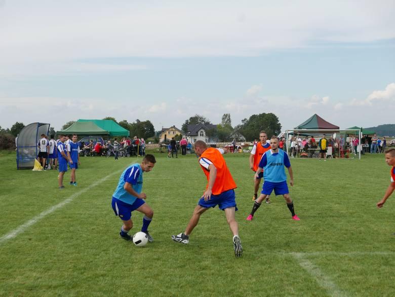 W turnieju wzięło udział siedem zespołów. Pierwsze miejsce i puchar burmistrza zdobyli piłkarze z Oporowa. Na boisku w Jabłowie odbył się turniej piłkarski