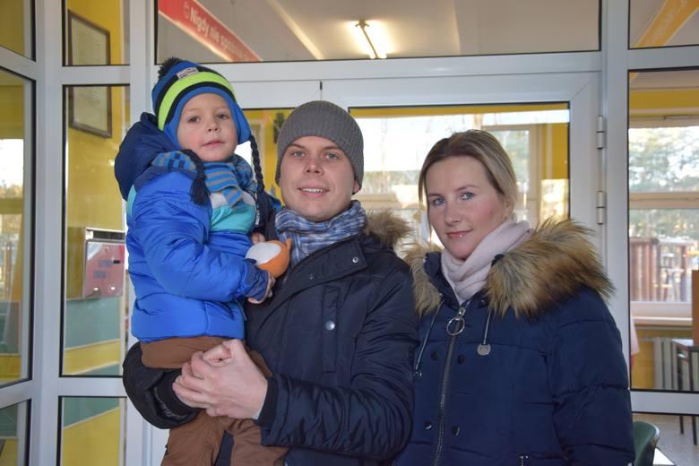 Dorota i Adrian Wesołowscy z synkiem Filipem