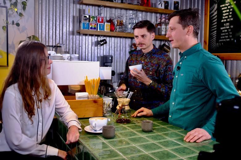 Jaką kawę piją rzeszowianie i co powinniśmy wiedzieć, żeby zaparzyć dobrą kawę? Rozmowa z Cezarem Łuniewskim [GOŚĆ NOWIN]
