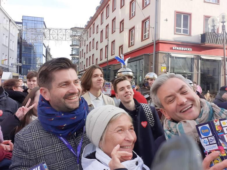 Partner Roberta Biedronia kwestował z nim we Wrocławiu na rzecz WOŚP
