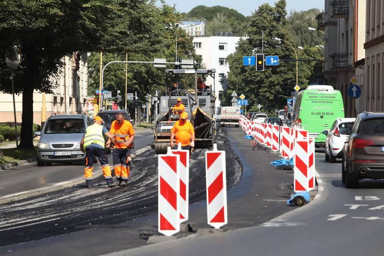 Remont ulicy Lisa-Kuli w Rzeszowie rozpoczął się 3 sierpnia i potrwa do końca miesiąca.