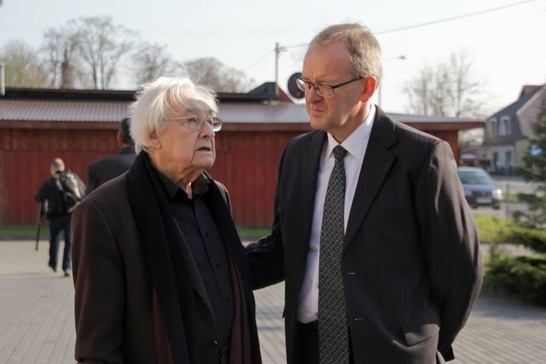 - Spodobał mi się upór, z jakim dyrektor szkoły ponawiał prośby o zgodę na patronat - mówił Andrzej Wajda.