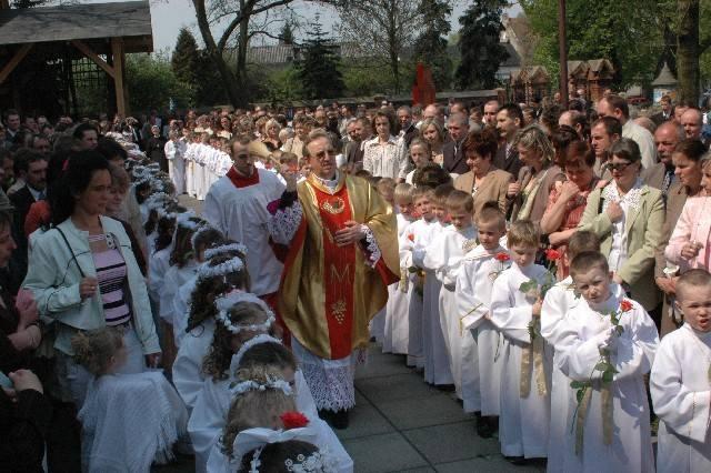 Pierwsza komunia powinna być przede wszystkim przeżyciem religijnym...