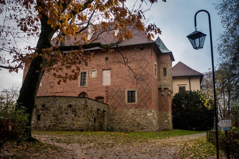 Zamek w Dębnie. Późnogotycka budowla wzniesiona w latach 1470-1480 przez kanclerza wielkiego koronnego kasztelana krakowskiego Jakuba z Dębna<br />