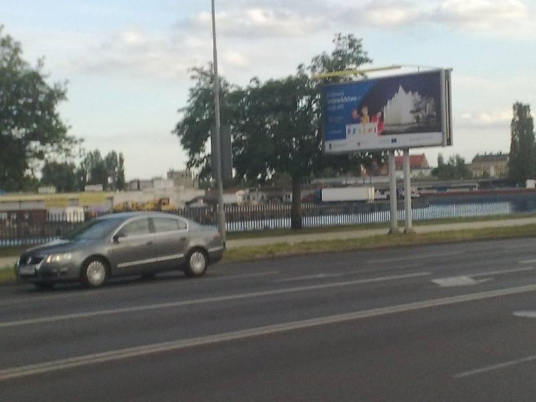 """(Auto)promocja urzędu marszałkowskiego za pół mln zł. """"To kampania wyborcza"""""""