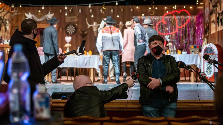 """Robert Talarczyk, dyrektor Teatru Śląskiego szykuje na piątek, 19 marca premierę spektaklu """"Testosteron"""". To będzie ostatnie przedstawienie"""