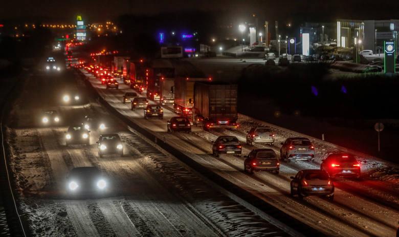 Polska znalazła się również na trzecim miejscu w Europie pod względem średniej liczby zgonów na drogach na 1 mln mieszkańców.