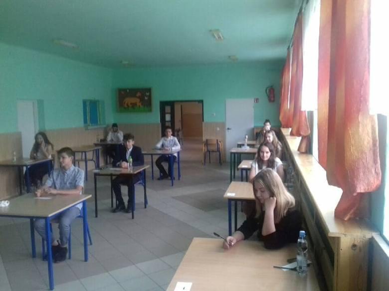 Właśnie zostały ogłoszone wyniki egzaminów klas ósmych. Został on przeprowadzony od 16 do 18 czerwca tego roku. Każdy ósmoklasista przystąpił do egzaminu
