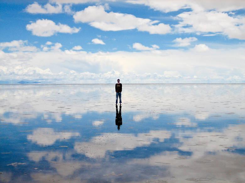 Solnisko, pozostałość po wyschniętym słonym jeziorze w południowo-zachodniej Boliwii, na obszarze płaskowyżu Altiplano w Andach. Jest położone na wysokości