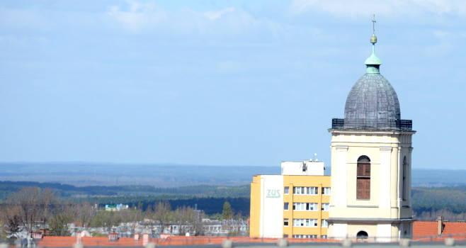 Widok na panoramę Zielonej Góry z dachu Focus Mall