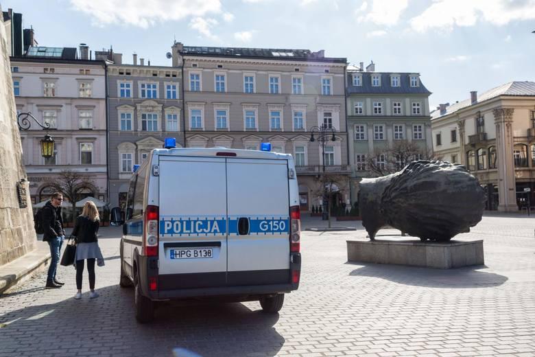 Małopolska. Policjanci skontrolowali autobusy, sklepy i siłownie. Posypały się mandaty