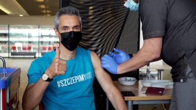 """Selekcjoner Paulo Sousa zaszczepił się przeciw COVID-19. """"Jestem szczęśliwy, że podjęto taką decyzję"""""""